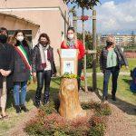 8 marzo, visita alle panchine rosse e inaugurazione del leggio dedicato a Ipazia d'Alessandria