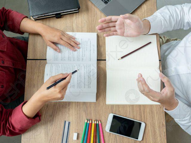 Favorire inclusione e orientamento attraverso l'insegnamento agli adulti